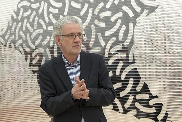 Kurátor a kunsthistorik Julian Heynen