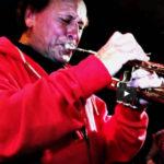 Trumpetista Laco Deczi oslaví v Praze 80. narozeniny