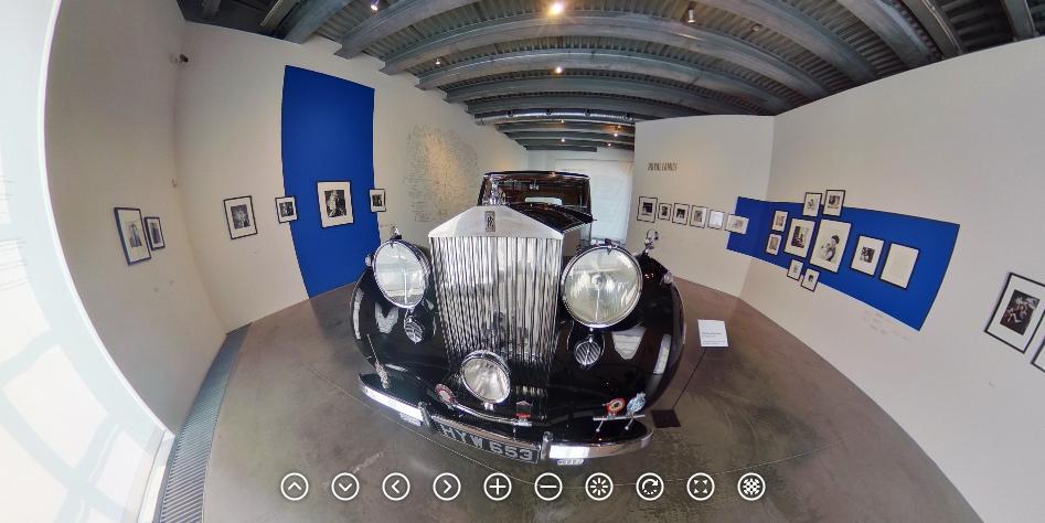 """Výstava """"Cecil Beaton – fotograf královen"""" v Museu Kampa - kliknětě na obrázek - uvidíte víc..."""